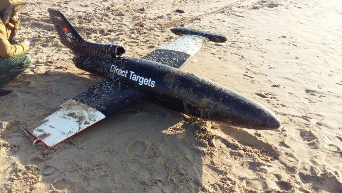 Под Анапой обнаружили неизвестный самолет-беспилотник (3 фото)