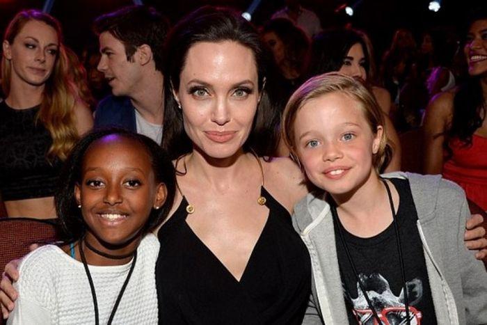 У 12-летней дочери Анжелины Джоли объявилась биологическая мать (4 фото)