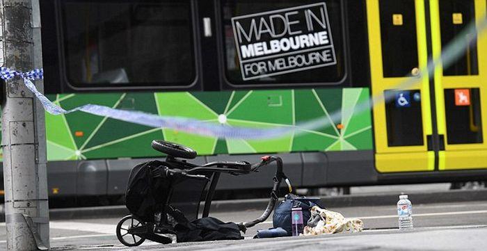 В Мельбурне водитель легкового автомобиля намеренно въехал в толпу людей (5 фото + видео)