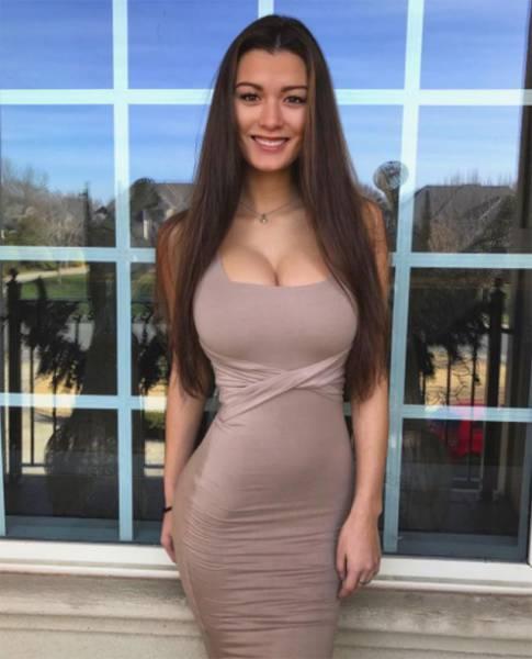 Девушки в облегающих платьях (65 фото)