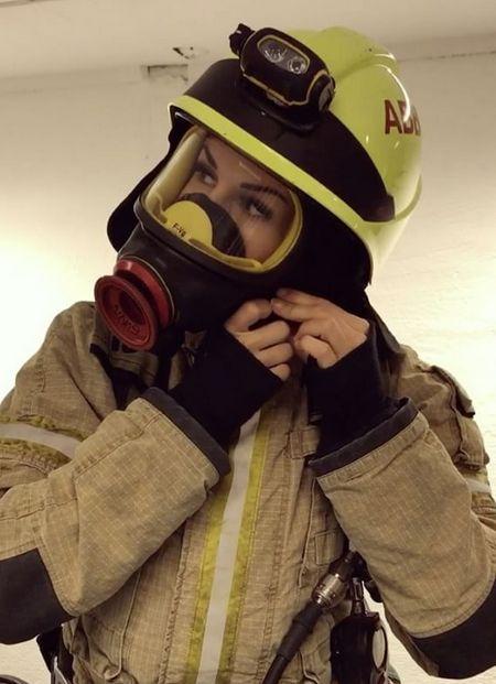 Гунн Нартен - самая привлекательная женщина-пожарный (12 фото)