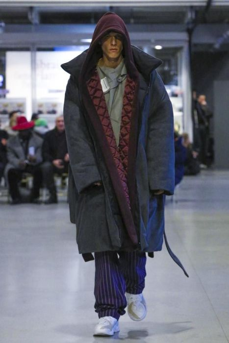 Безумные наряды на Неделе высокой моды в Париже (17 фото)