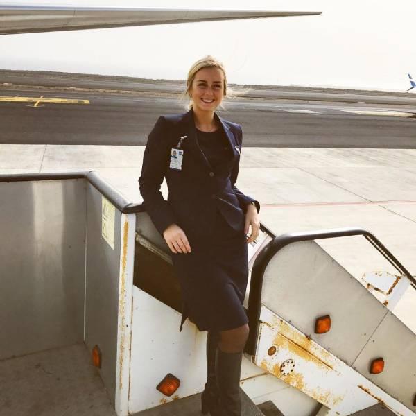 Прекрасная стюардесса Скандинавских авиалиний (36 фото)
