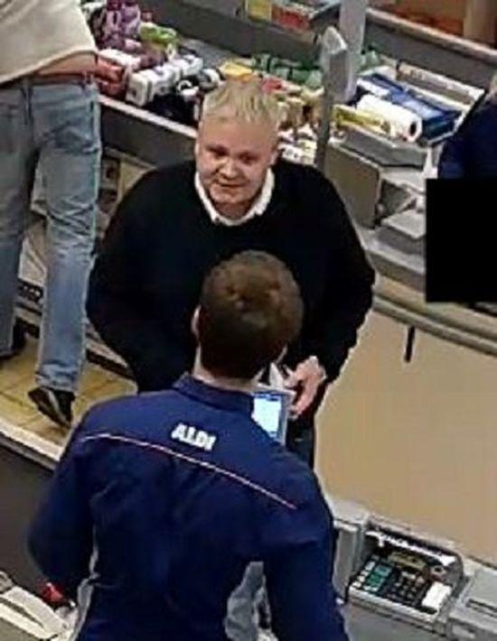 Британец взял с полки магазина телевизор и «вернул» его обратно, получив 330 фунтов (2 фото)