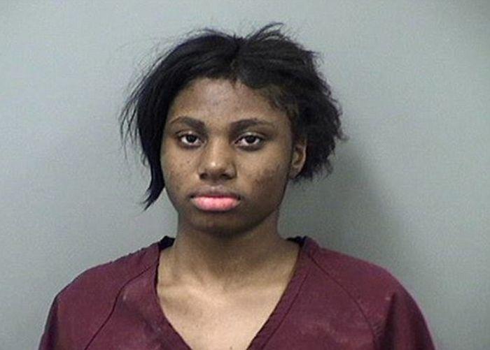 В США 17-летней девушке грозит пожизненный срок за изнасилование парня (3 фото)