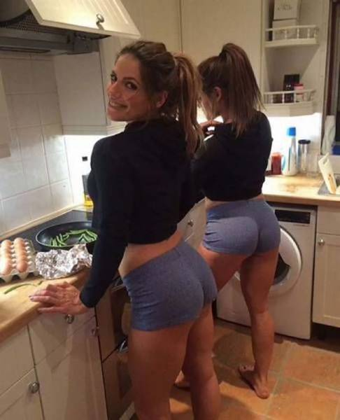 Горячие кухарки (51 фото)