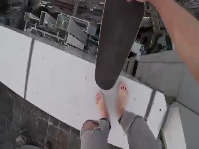 Сальто на краю небоскреба