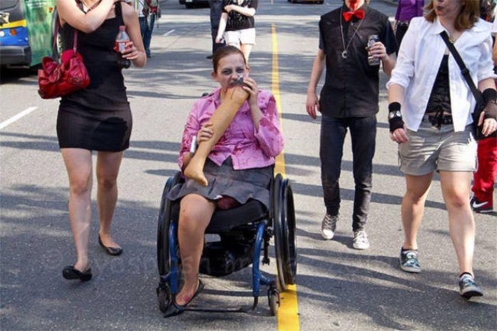 Юмор от людей с ограниченными возможностями (21 фото)