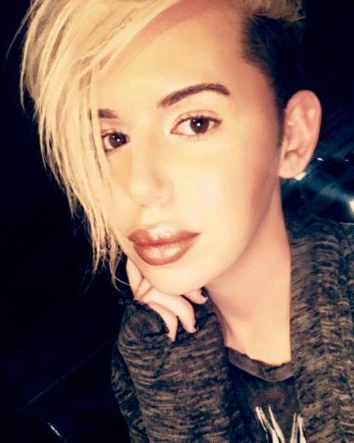 Фанат Бритни Спирс, который захотел стать похожим на нее (14 фото)