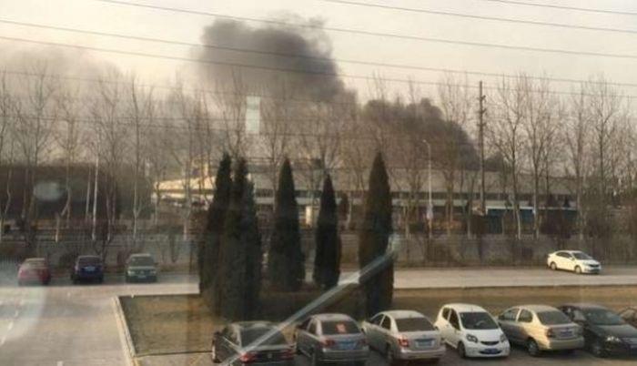Пожар на фабрике, производившей аккумуляторы для Samsung Galaxy Note 7 (3 фото + видео)