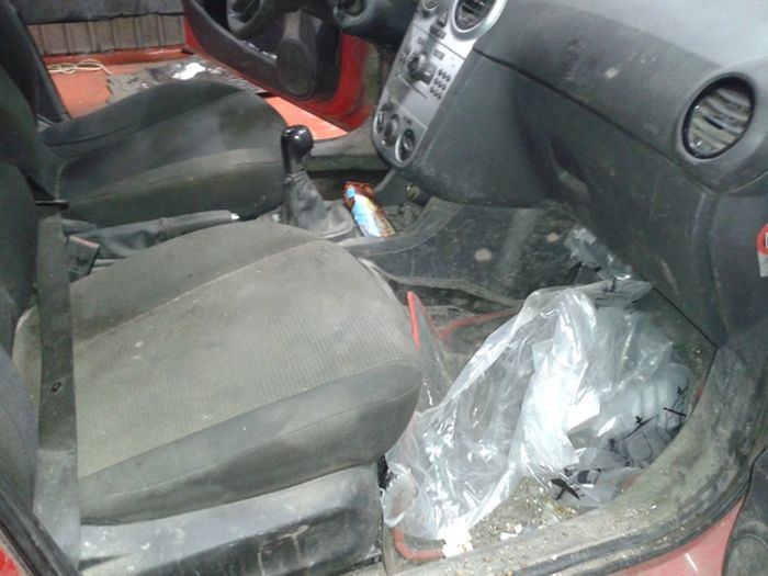 Авто на продажу: один хозяин, бережная эксплуатация (4 фото)