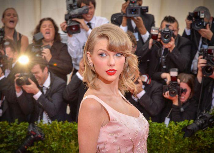 Косплейщица, которую не отличить от Тейлор Свифт (6 фото)