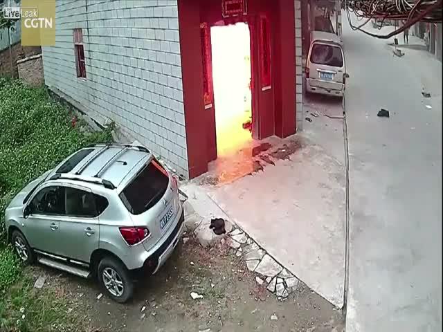 Взрыв газового баллона в доме