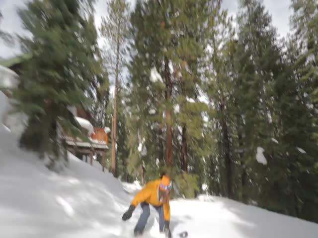 Парень сделал трассу для сноуборда своими руками