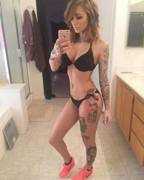 Девушки в татуировках (60 фото)