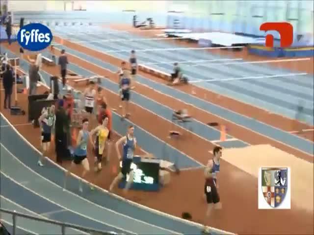 Спортсмен проиграл забег из-за куска эластичной ленты