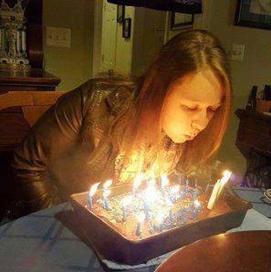 День рождения испорчен (4 фото)