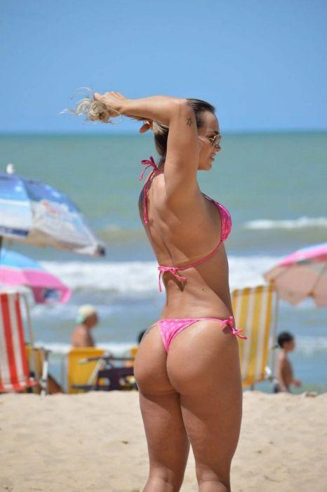 Девушки на пляжах Бразилии (35 фото)