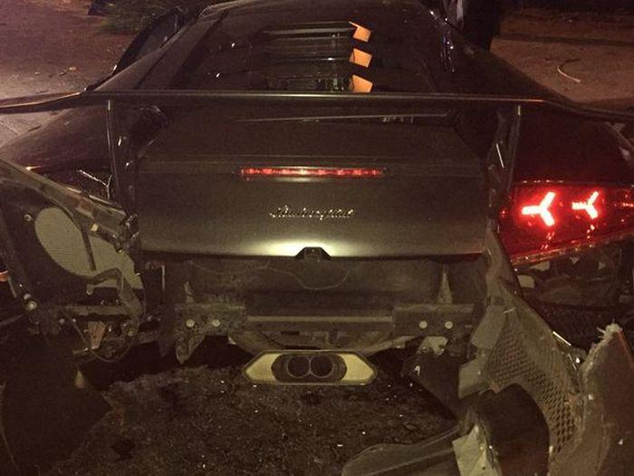 Взял Lamborghini Murcielago у друга на вечер (7 фото)