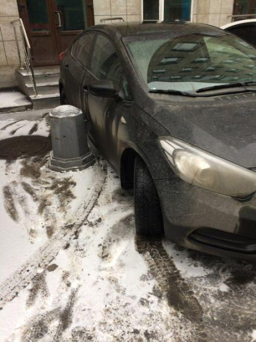 Креативное наказание за неправильную парковку в Питере (5 фото)