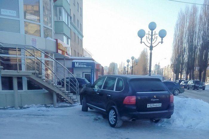 Владелец авто угрожает девушке, которая разместила снимок в сети (2 фото)
