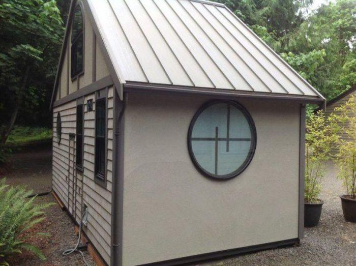 Комфортный и уютный дом площадью 18 квадратных метров (9 фото)