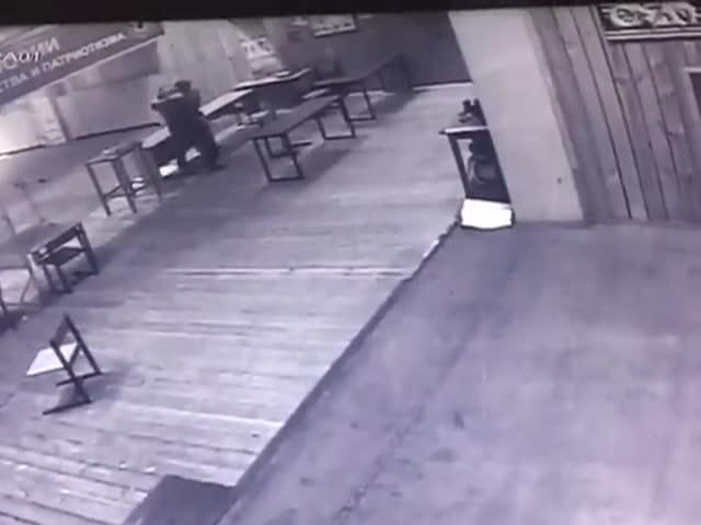 В Москве 15-летний подросток выстрелил в инструктора по стрельбе