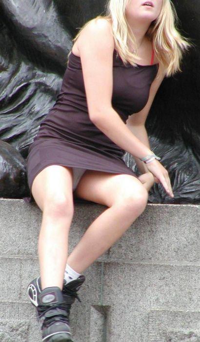 Женские засветы нижнего белья (31 фото)