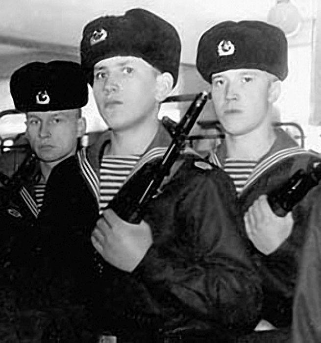 Армейские фотографии знаменитостей (25 фото)