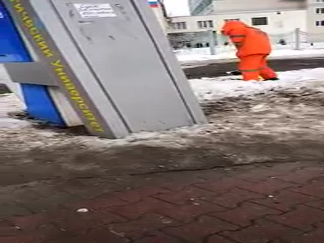 Уборка на улицах Белгорода