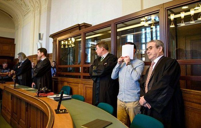 Немецкие стритрейсеры получили пожизненные сроки за гонку, из-за которой погиб мужчина (9 фото)