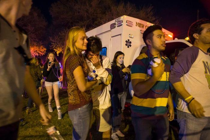 В Новом Орлеане автомобиль въехал в толпу людей на карнавале (7 фото + видео)