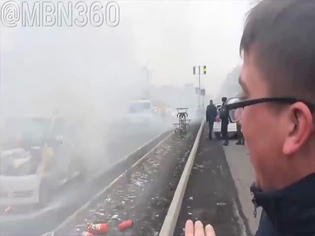 Водитель с юмором рассказал о своем горящем автомобиле
