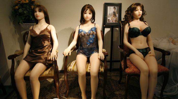 В Барселоне открыли первый в Европе бордель с секс-куклами (4 фото)