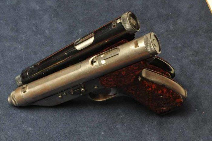 Пистолет Леркера и Куппини, запрещенный из-за своей эффективности (5 фото)