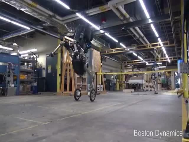 Handle - новый колесный робот компании Boston Dynamics