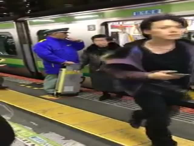 Вот так вот работает метро в Китае