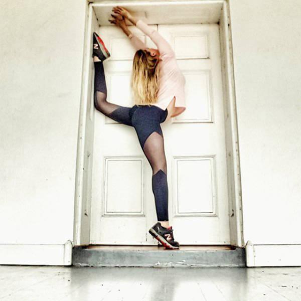 Невероятно гибкие девушки (42 фото)