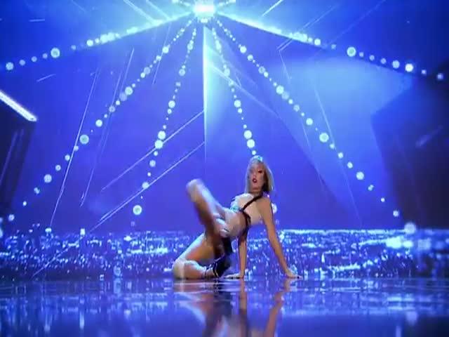 Великолепный танец на телешоу «Румыния ищет таланты»