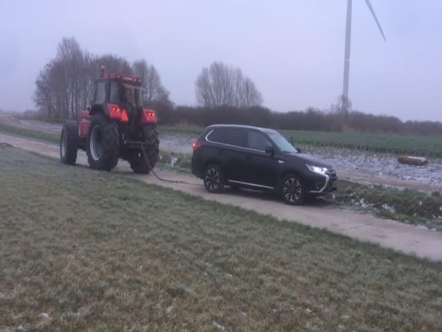 Спасение неопытного водителя