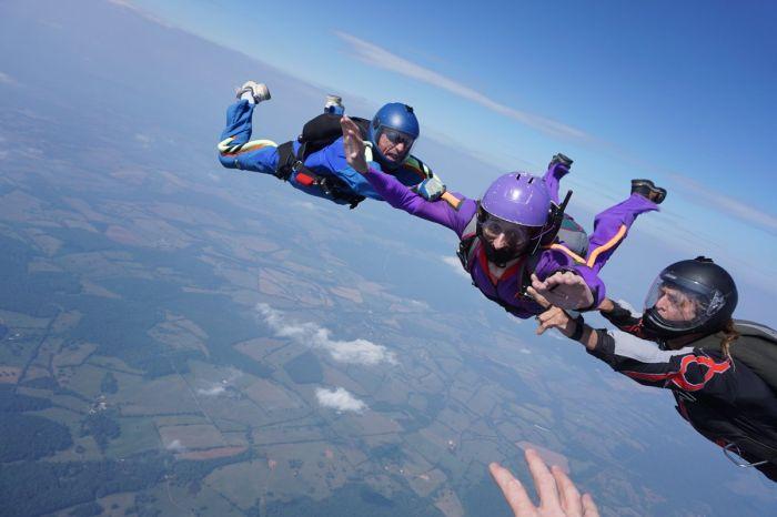 В США после неудачного прыжка с парашютом скончался российский хакер Крис Касперски (4 фото + видео)