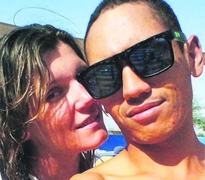 В ОАЭ молодую пару задержали за внебрачный секс (3 фото)