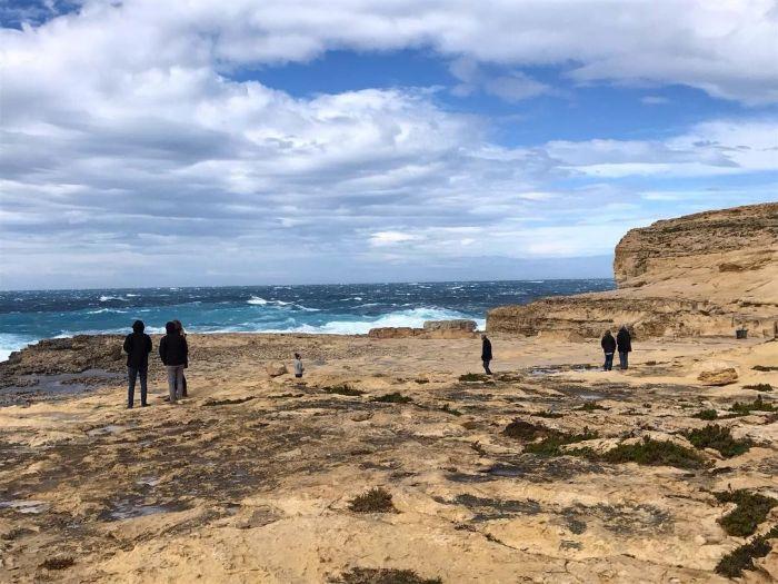 На Мальте обрушилась известная скала «Лазурное окно» (5 фото)