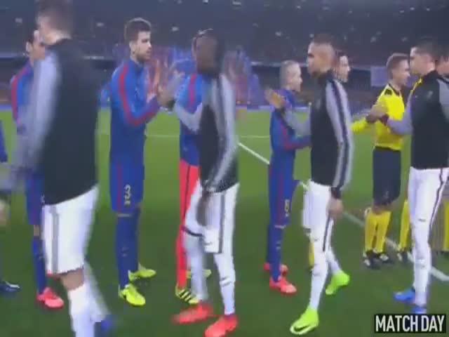 «Барселона» обыграла «Пари Сен-Жермен» со счетом 6:1 и вышла в 1/4 Лиги чемпионов