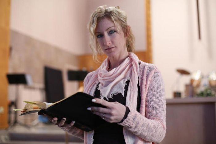 Бывшая порнозвезда открыла церковь и стала пастором (13 фото)