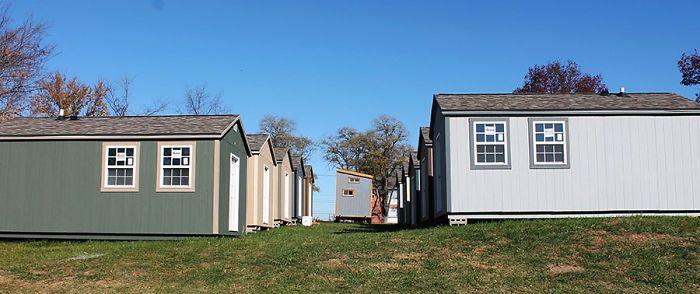 В США построили деревню для бездомных ветеранов американской армии (7 фото)