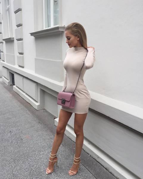 Прекрасные девушки в платьях (60 фото)