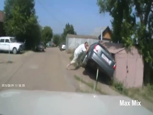 Как не стоит вытаскивать застрявшие автомобили