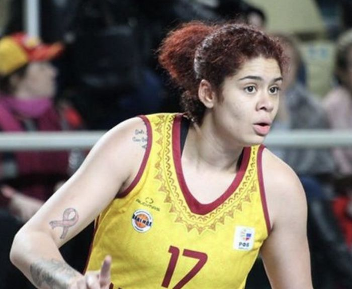 Баскетболистка Аманда Захуй из футбольного клуба «Надежда» выступает под фамилией матери Базокоу (3 фото)