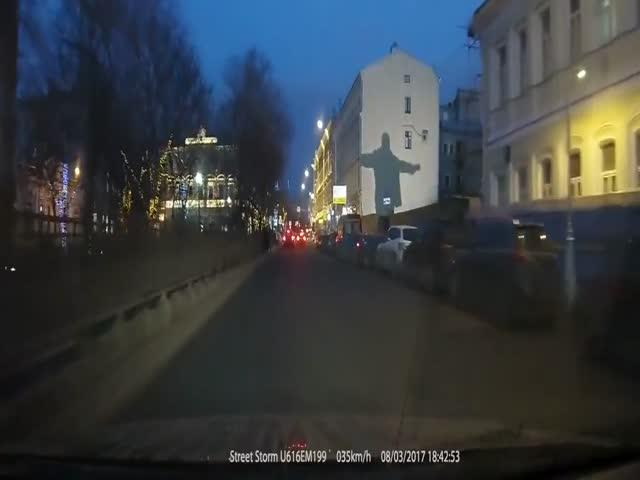Сварщик позабавил пассажиров авто